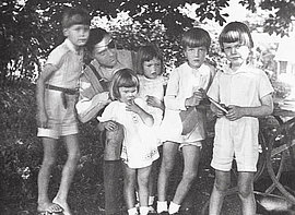 Claus Schenk Graf von Stauffenberg with his son Heimeran, daughter Valerie, niece Elisabeth, nephew Alfred, and son Franz Ludwig while on recuperation leave in Lautlingen, Summer 1943.